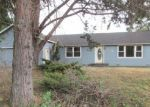 Foreclosed Home in Medford 97504 2708 CEDAR LINKS DR - Property ID: 3706791