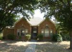 Foreclosed Home in Desoto 75115 321 N BELTWOODS DR - Property ID: 3806103