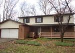 Foreclosed Home in Elgin 60120 31W137 ROHRSSEN RD - Property ID: 3903580
