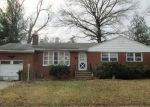 Foreclosed Home in Roselle 7203 712 GOLF TER - Property ID: 4017651