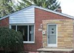 Foreclosed Home in Riverview 48193 18228 RAY ST - Property ID: 4039008