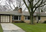 Foreclosed Home in Elgin 60123 922 OAKDALE DR - Property ID: 4124654