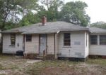 Foreclosed Home in Jacksonville 32208 912 SARATOGA BLVD - Property ID: 4153393