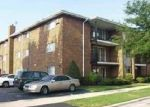 Foreclosed Home in Chicago 60655 3935 W 104TH ST APT 2A - Property ID: 2495000