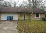 Foreclosed Home in Lufkin 75901 1001 MEADOW LN - Property ID: 4126473