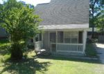 Foreclosed Home in Charlotte 28215 5415 RIVER FALLS DR - Property ID: 4146771