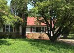 Foreclosed Home in Chattanooga 37406 1101 QUEENS DR - Property ID: 4207446