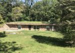 Foreclosed Home in Hillsboro 62049 141 LAKECREST LN - Property ID: 4215145