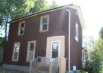 Foreclosed Home in Waterloo 50702 927 W 6TH ST - Property ID: 4215772