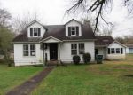Foreclosed Home in Chattanooga 37406 2424 TUNNEL BLVD - Property ID: 4240620