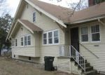 Foreclosed Home in Waterloo 50703 1104 VINE ST - Property ID: 4250876