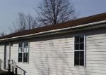 Foreclosed Home in Mount Vernon 62864 18457 N WILDFLOWER LN - Property ID: 4251546