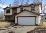 Foreclosed Home in Mount Vernon 62864 2608 BROWNSVILLE RD - Property ID: 4258522