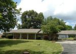 Foreclosed Home in Muscle Shoals 35661 5955 RIVER RD - Property ID: 4283134