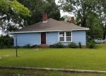 Foreclosed Home in Laurinburg 28352 224 MCRAE ST - Property ID: 4290229