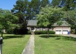 Foreclosed Home in Kinston 28504 2712 BROOKHAVEN DR - Property ID: 4291650