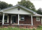 Foreclosed Home in Manchester 40962 3144 N HIGHWAY 421 - Property ID: 4295724