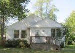 Foreclosed Home in Eastlake 44095 33937 IRIS LN - Property ID: 4296545