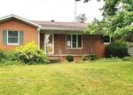 Foreclosed Home in Kinmundy 62854 7769 BRUBAKER RD - Property ID: 4297043