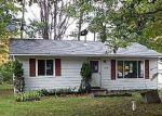 Foreclosed Home in Houghton Lake 48629 137 1/2 BROKEN ARROW TRL - Property ID: 4301426