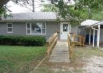 Foreclosed Home in Olney 62450 906 W ELM ST - Property ID: 4301704