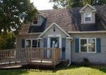 Foreclosed Home in Waterloo 50701 114 BERKSHIRE RD - Property ID: 4301752