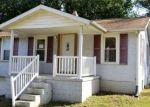 Foreclosed Home in Vandalia 62471 1306 W SAINT CLAIR ST - Property ID: 4302078
