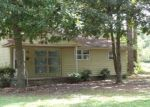 Foreclosed Home in Kinston 28501 801 CANDLEWOOD DR - Property ID: 4303348