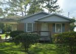 Foreclosed Home in Laurinburg 28352 415 ALPHA ST - Property ID: 4306071