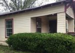 Foreclosed Home in Waxahachie 75165 702 E PARKS AVE - Property ID: 4308957