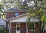 Foreclosed Home in Benton 62812 706 W WASHINGTON ST - Property ID: 4309170