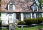 Foreclosed Home in Round Lake 60073 1604 N HICKORY AVE - Property ID: 4309613