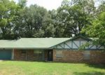 Foreclosed Home in Whitehouse 75791 508 BASCOM RD - Property ID: 4311655