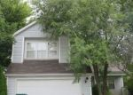 Foreclosed Home in Round Lake 60073 2411 N SALEM LN - Property ID: 4312262