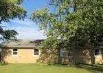 Foreclosed Home in Watseka 60970 1513 N 2000 EAST RD - Property ID: 4313400
