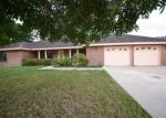 Foreclosed Home in Brownsville 78520 936 GREY FOX CIR - Property ID: 4315847