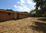 Foreclosed Home in Sinton 78387 328 WOODLAWN ST - Property ID: 4316611