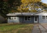 Foreclosed Home in Newton 67114 319 CENTRAL AVE - Property ID: 4316998