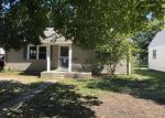 Foreclosed Home in Mattoon 61938 1304 S 14TH ST - Property ID: 4319180