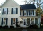 Foreclosed Home in Greenville 62246 528 E OAK ST - Property ID: 4319185