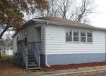 Foreclosed Home in Taylorville 62568 905 E ESTHER ST - Property ID: 4321965