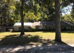 Foreclosed Home in Staunton 62088 3204 S COUNTRY CLUB LN - Property ID: 4321974