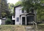 Foreclosed Home in Jamestown 14701 140 BARROWS ST - Property ID: 4324597