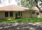 Foreclosed Home in Beeville 78102 5600 VALLEY OAKS DR - Property ID: 4326759