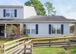 Foreclosed Home in Jacksonville 28546 200 PALACE CIR - Property ID: 4327039