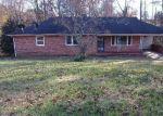 Foreclosed Home in Winston Salem 27105 3940 GLEN OAK DR - Property ID: 4331490