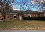 Foreclosed Home in Fort Smith 72908 1323 MEADOW CIR - Property ID: 4333846
