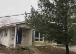 Foreclosed Home in Bloomington 61701 1210 W MILL ST - Property ID: 4335191
