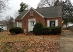 Foreclosed Home in Springfield 62704 2137 S WALNUT ST - Property ID: 4338254