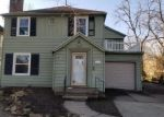 Foreclosed Home in Toledo 43606 3217 WENDOVER DR - Property ID: 4339952